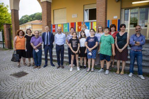 I dirigenti, i docenti, gli studenti e gli amministratori che hanno siglato il Patto di Comunità